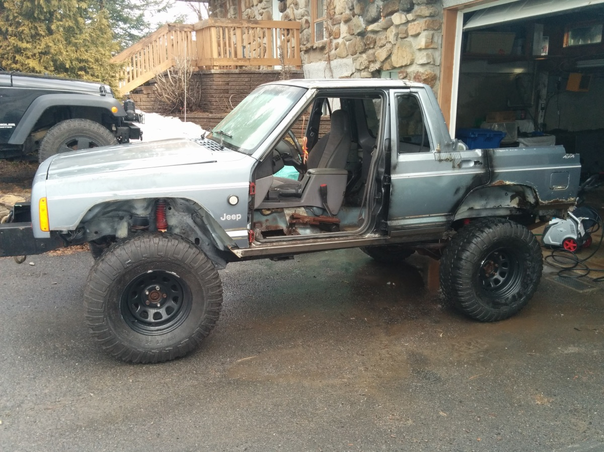 Jeep XJ build update: wanted a Comanche, had a Cherokee